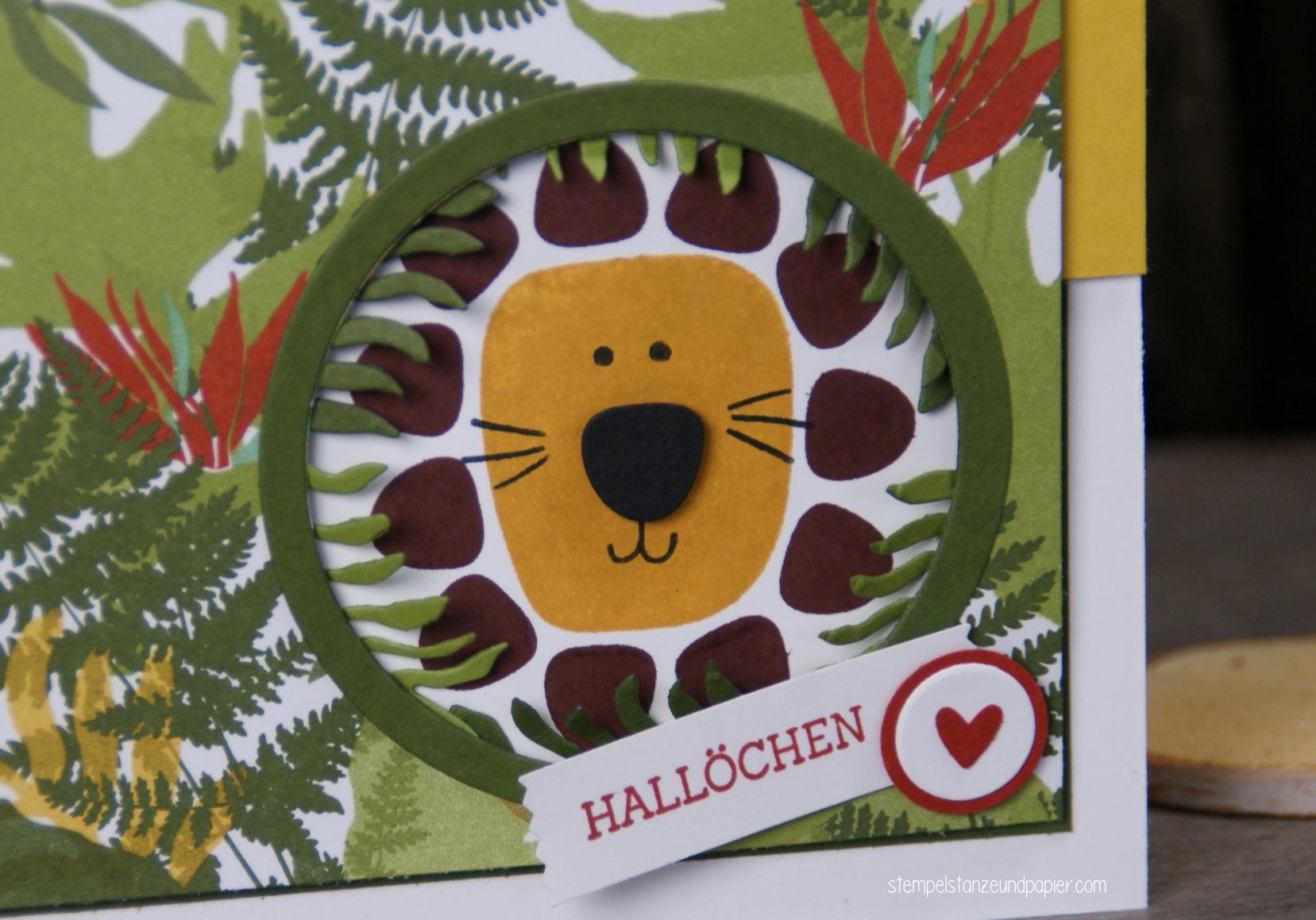 Wilde Dschungel Karte mit kleinem Löwen im Versteck 2