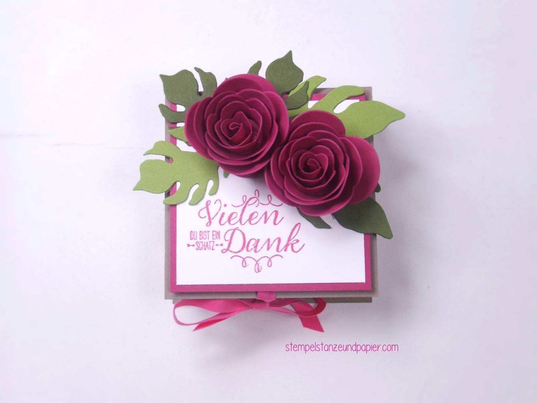 Eine Schachtel für selbstgemachte Pralinen von oben