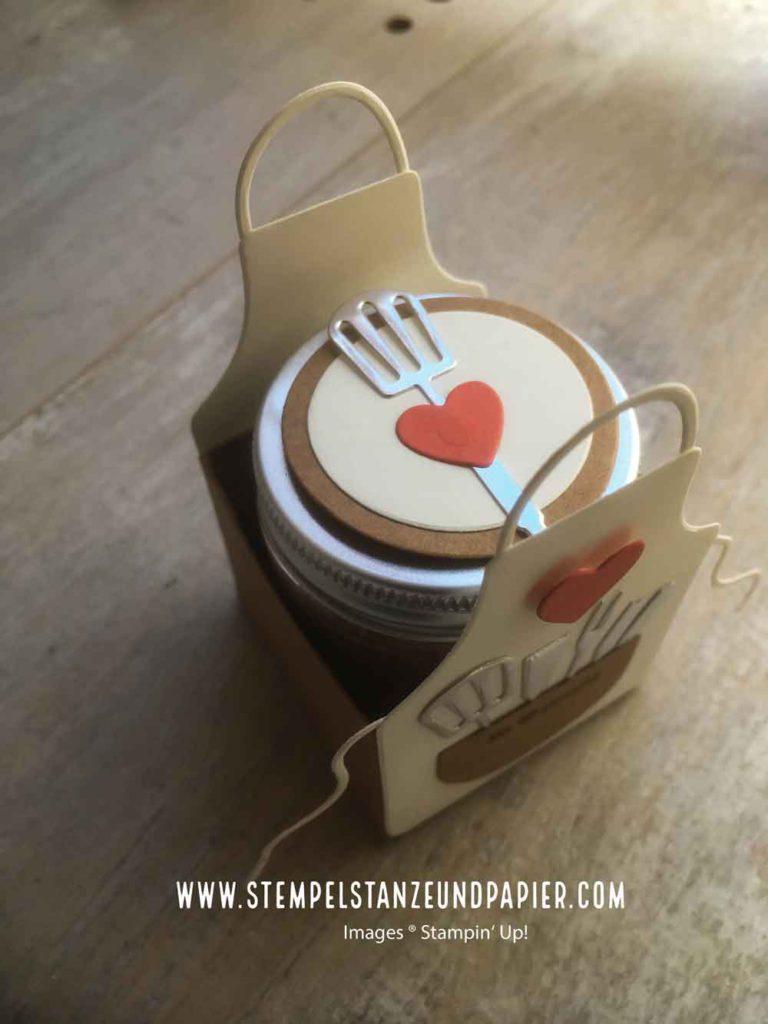 Geschenk aus der Küche BBQ Rub Memphis Dust verpackt mit Kittelkreationen
